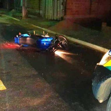 PM age rápido, prende suspeitos e recupera moto tomada em assalto