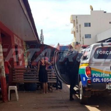Andarilho é atacado a facadas no Centro de Rolim de Moura
