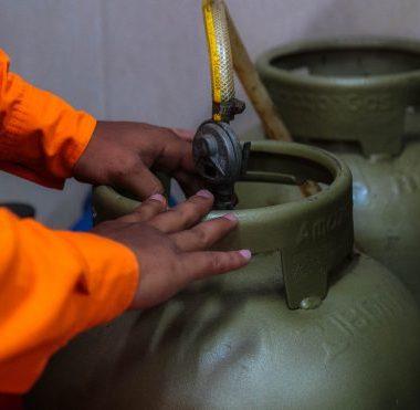 Procon fiscaliza abusos nos preços de gás de cozinha e derivados de petróleo no interior de Rondônia