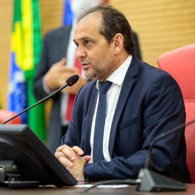 Presidente da Assembleia defende reabertura do comércio e testes massivos na população para definir quarentena social