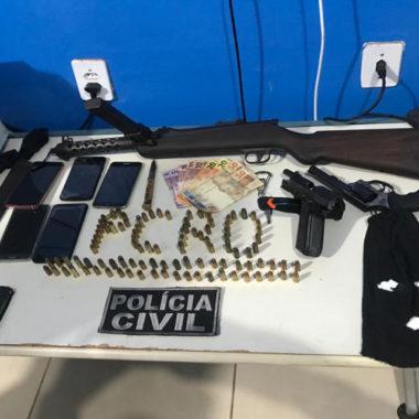 Polícia Civil apreende metralhadora e prende sete pessoas na capital