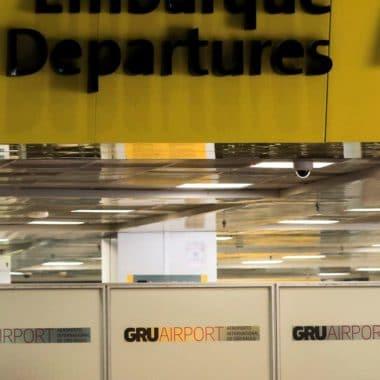 Brasileiros retidos no exterior podem solicitar repatriação online