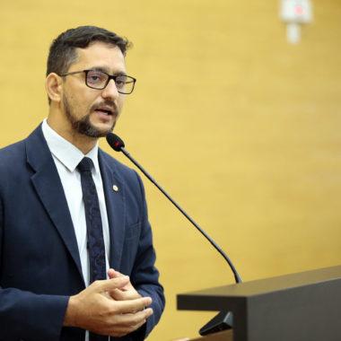 CORONAVÍRUS – Deputado Anderson emite parecer favorável a Projeto de Lei que devolve sobra de arrecadação dos poderes ao executivo para combater a COVID19