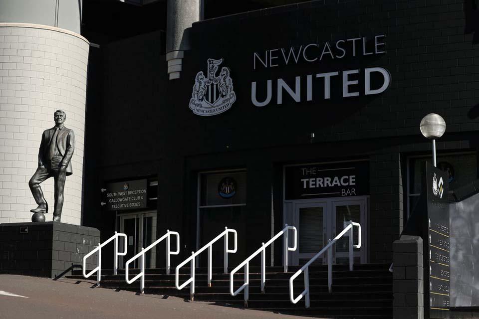 Newcastle quer técnico argentino para a próxima temporada