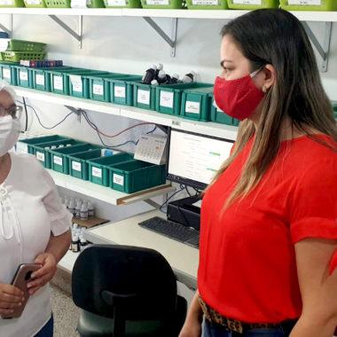 Vereadora Ada Dantas verifica medicamentos disponíveis nas UPA's Leste e Sul