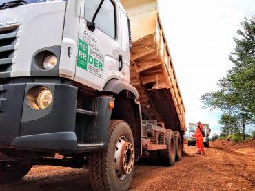 DER atende estradas com serviços de manutenção no Vale do Guaporé