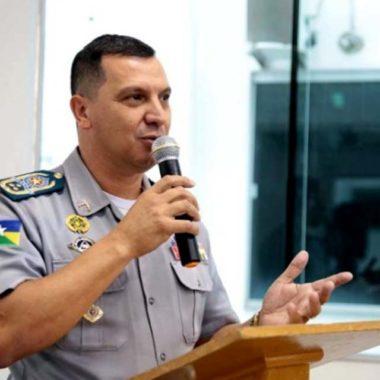 Comandante da Polícia Militar pede demissão por discordar de política para a tropa, Marcos Rocha pede um tempo