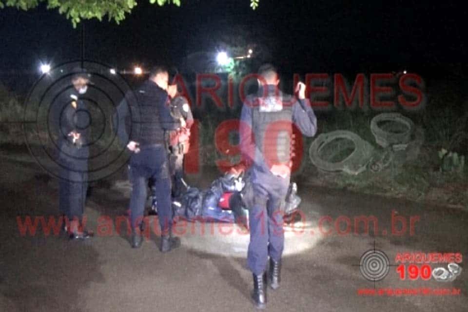 Homem é executado a tiros pilotando motocicleta na Vila do Sossego