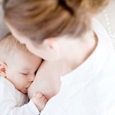 Leite materno pode servir para tratamento da Covid-19, sugere estudo