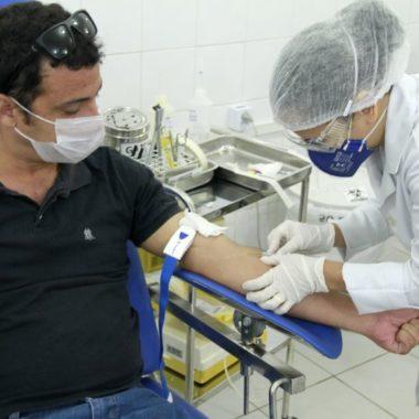 Fhemeron homenageia doadores voluntários e reforça campanha de doação de sangue
