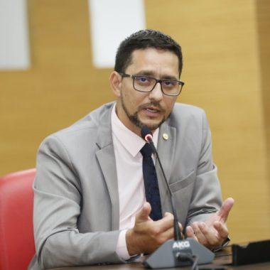 DETRAN – Deputado Anderson quer informações quanto ao enquadramento de servidores que exercem atividades no setor de emissão de CRLV