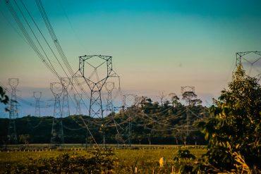 Lei proíbe corte de água e energia nos finais de semana e feriados, alerta o Procon Rondônia