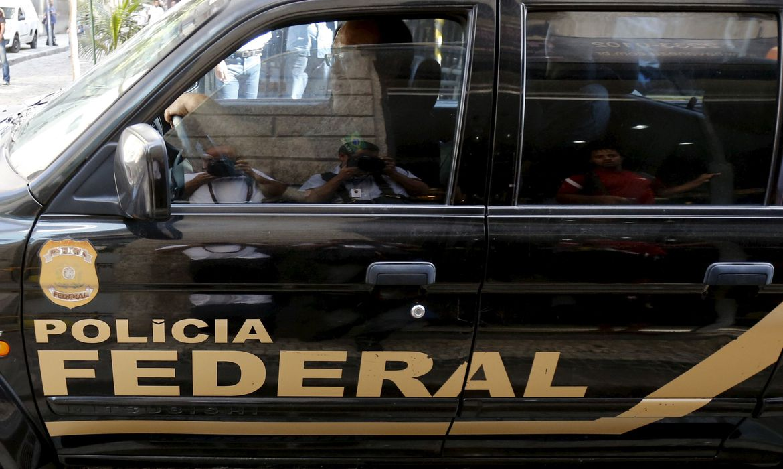 Polícia Federal apura desvio na compra de respiradores