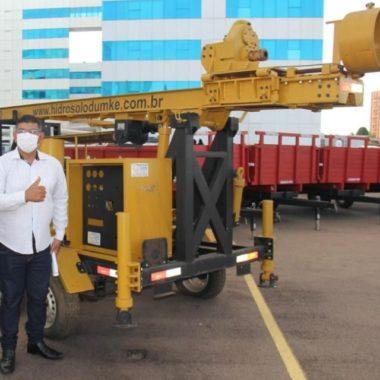 INVESTIMENTOS – Prefeito Lucivaldo Fabrício recebe oficialmente equipamentos e maquinários para agricultura de Candeias