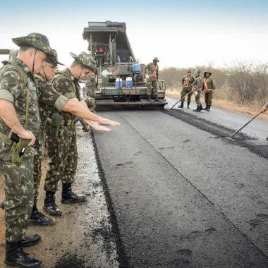 OPORTUNIDADE – Exército vai contratar 522 profissionais para obras de infraestrutura