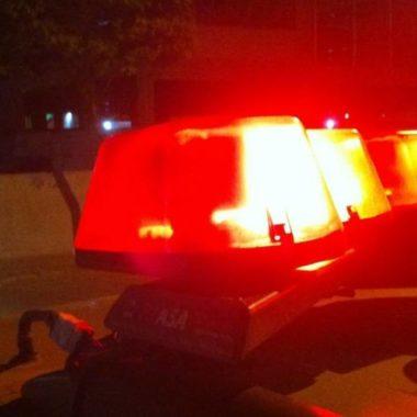 Homens roubam ambulância e tentam sequestrar médico para tratar criminoso