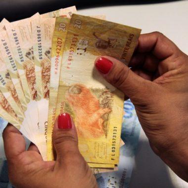 Governo de RO anuncia pagamento da primeira parcela do 13º dia 10
