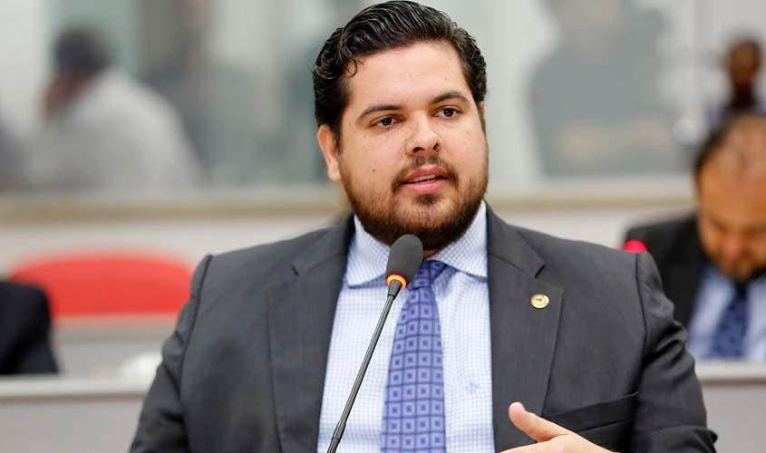 CORONAVÍRUS – Com 70% dos pulmões comprometidos, deputado Jean Oliveira que está na UTI é transferido para São Paulo