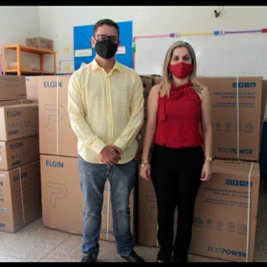 CLIMATIZAÇÃO – Deputado Anderson entrega centrais de ar em escola na zona Leste de Porto Velho