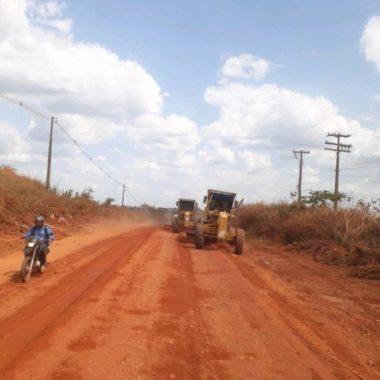 Frentes de trabalho seguem com a recuperação e fiscalização da malha viária na região de Cacoal