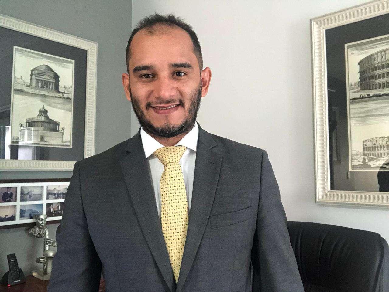 UNIRON – Advogado Paulo Serpa investe em carreira jurídica na área privada