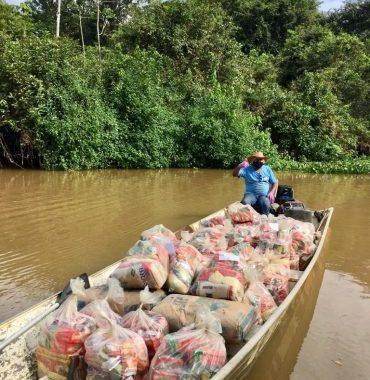 Kits de alimentação são distribuídos para alunos indígenas da rede estadual de ensino em Rondônia
