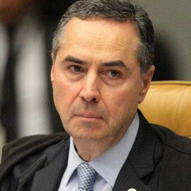 Adiamento da eleição demonstra 'diálogo institucional', diz Barroso