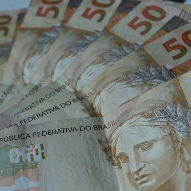 Mercado financeiro prevê queda da economia em 6,5% este ano