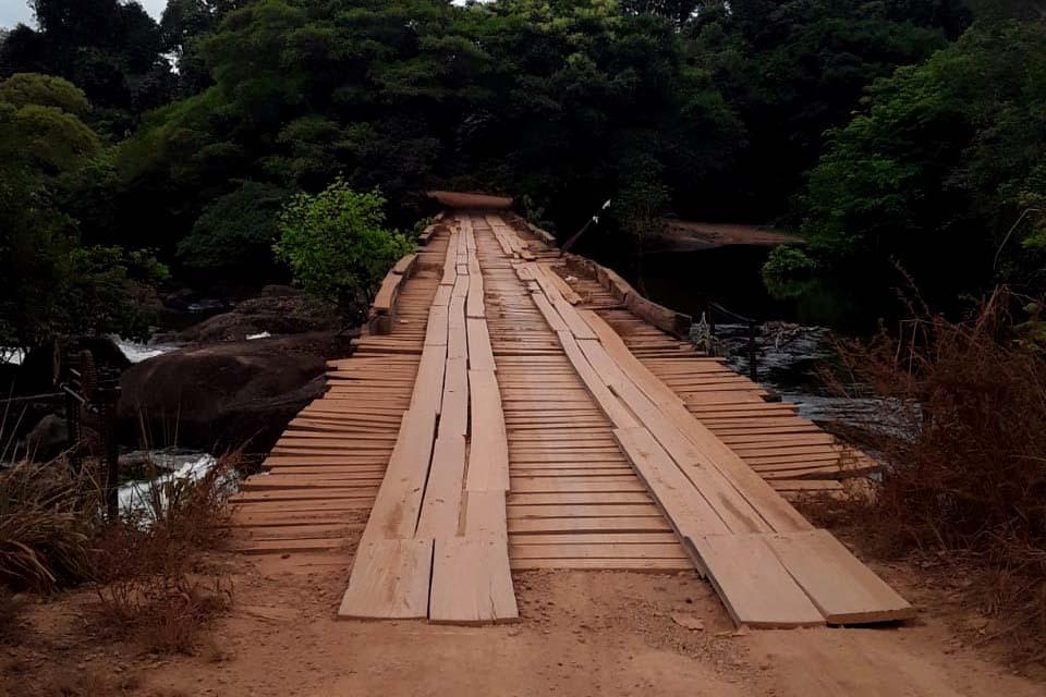 RIO PRETO – Prefeitura de Candeias recupera ponte danificada e população não terá tráfego prejudicado