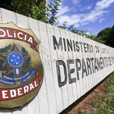Operação da PF investiga sobrepreço em hospital de campanha
