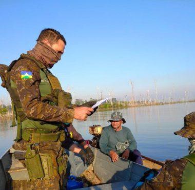 Batalhão de Polícia Ambiental realiza fiscalização para combater pesca clandestina em Rondônia