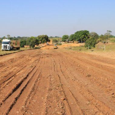 Frentes de serviço do DER trabalham em ritmo acelerado em Ji-Paraná