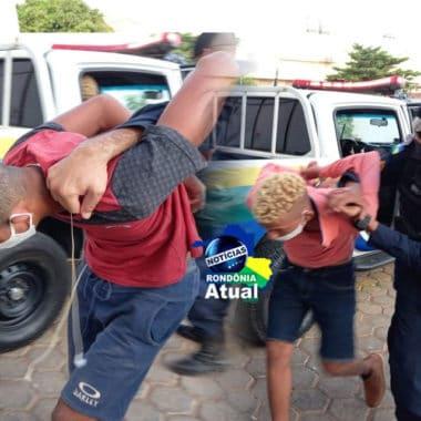 Dupla é presa com arma durante abordagem a táxi em Ji-Paraná