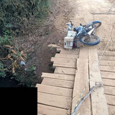 Motociclista é encontrado morto dentro de igarapé na zona rural