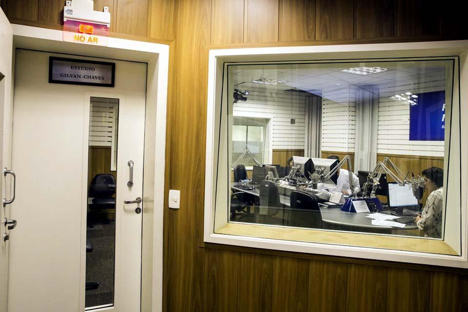 Apresentadores pré-candidatos devem se afastar da função em rádio e TV