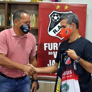 Álvaro Miguéis se surpreende com estrutura do Real Ariquemes