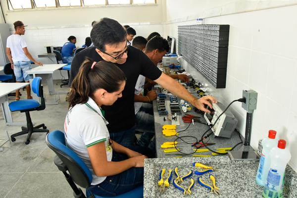 MEC autoriza suspensão de aula presencial em cursos técnicos de nível médio