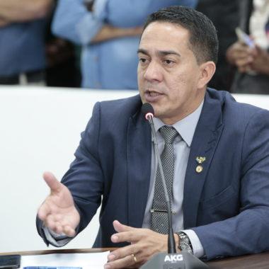 Chateado com Marcos Rocha, Eyder Brasil deixa liderança do governo na ALE