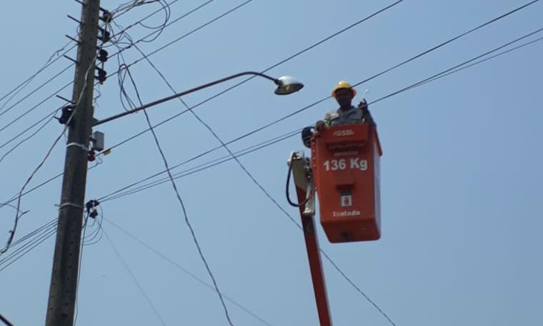 Vereador Márcio Pacele solicita reparo em ponto de iluminação pública na rua Dourado no bairro Lagoa