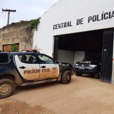 Denarc prende traficante com drogas e dinheiro após fuga alucinante na zona sul