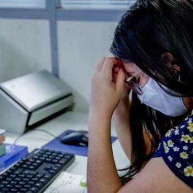 No Setembro Amarelo, especialistas alertam sobre os sintomas ligados a depressão e divulgam centrais de atendimento