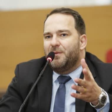 Deputado Alex Redano cobra urgência do Procon na fiscalização de preços abusivos no comércio