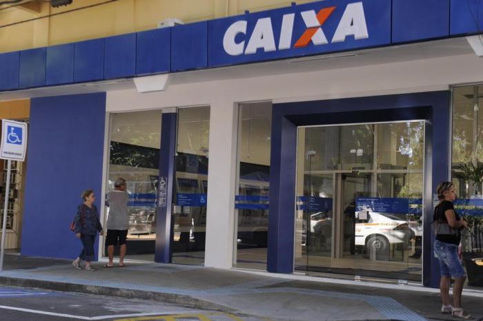 DINHEIRO – Caixa começa a pagar auxílio de R$ 300