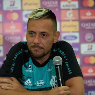 Covid-19: Diego Alves testa positivo e preocupa até para Libertadores