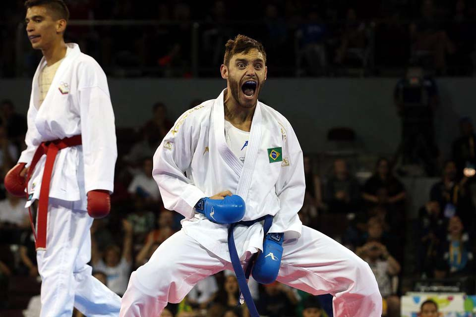 Douglas Brose retoma treinos com seleção brasileira de karatê
