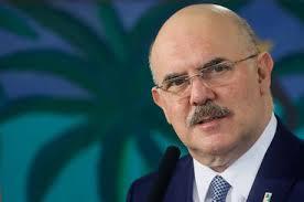 """MEC libera R$ 525 milhões para """"possível retorno às aulas"""" presenciais"""