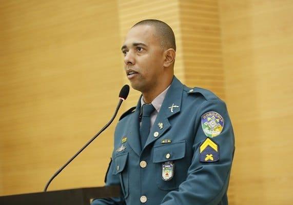 PEGOU CARONA – Justiça manda Jhonny Paixão retirar nome de live de sertanejos no Youtube