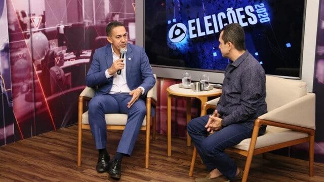 Eyder Brasil e Tenente Costa apresentam plano de governo em entrevista à TV local