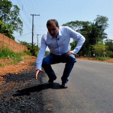 Durante live, Hildon Chaves anuncia asfalto para ruas do bairro Caladinho