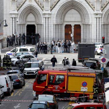 Esfaqueamento no interior de uma igreja deixa três mortos, em Nice